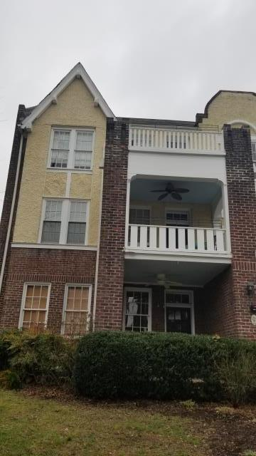 Richmond, VA - Replacing windows in a 3rd floor condo. Installing windows from the inside on a third floor.