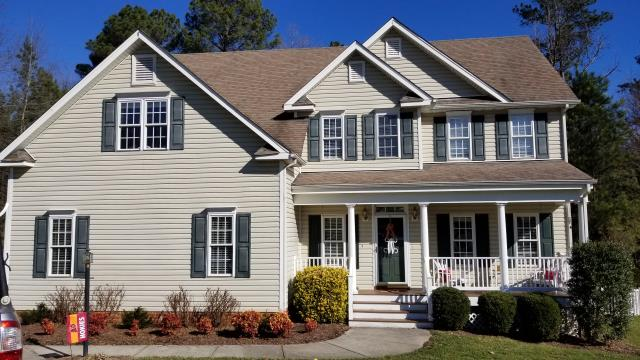 Chesterfield, VA - Replacing vinyl new construction windows. What is the best way to replace new construction vinyl windows? We replace vinyl windows in a way to make sure they stay water and air tight for years to come.