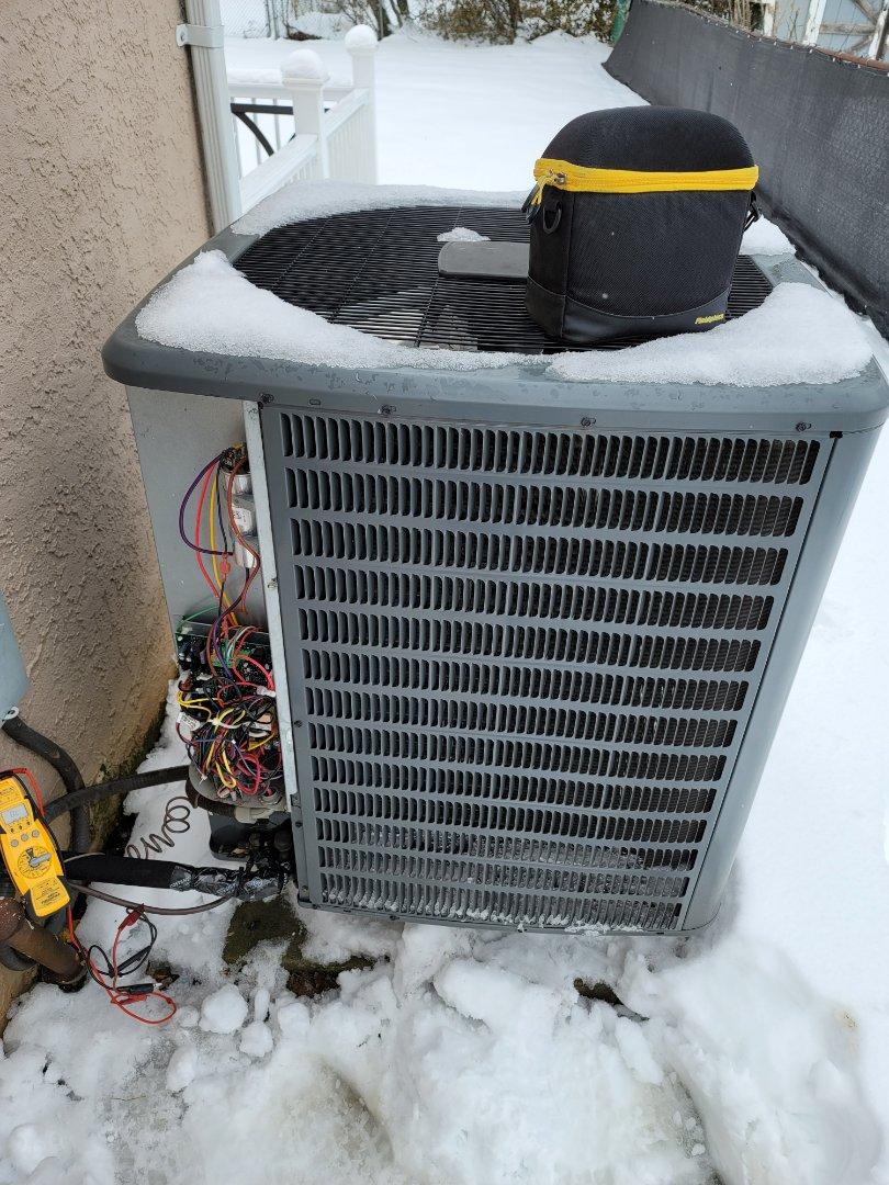 Willow Grove, PA - Heating service call. Performed Heat Pump control board repair on Goodman Heat Pump.