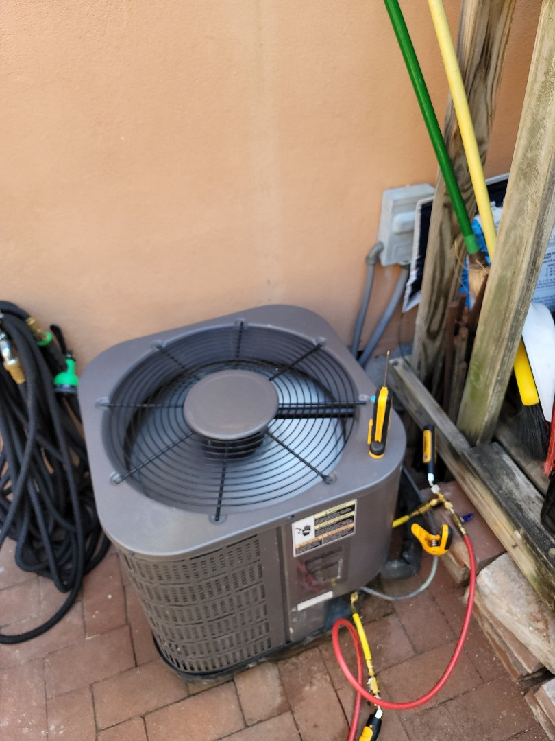 Philadelphia, PA - AC service call, air conditioning repair on AirTemp unit.