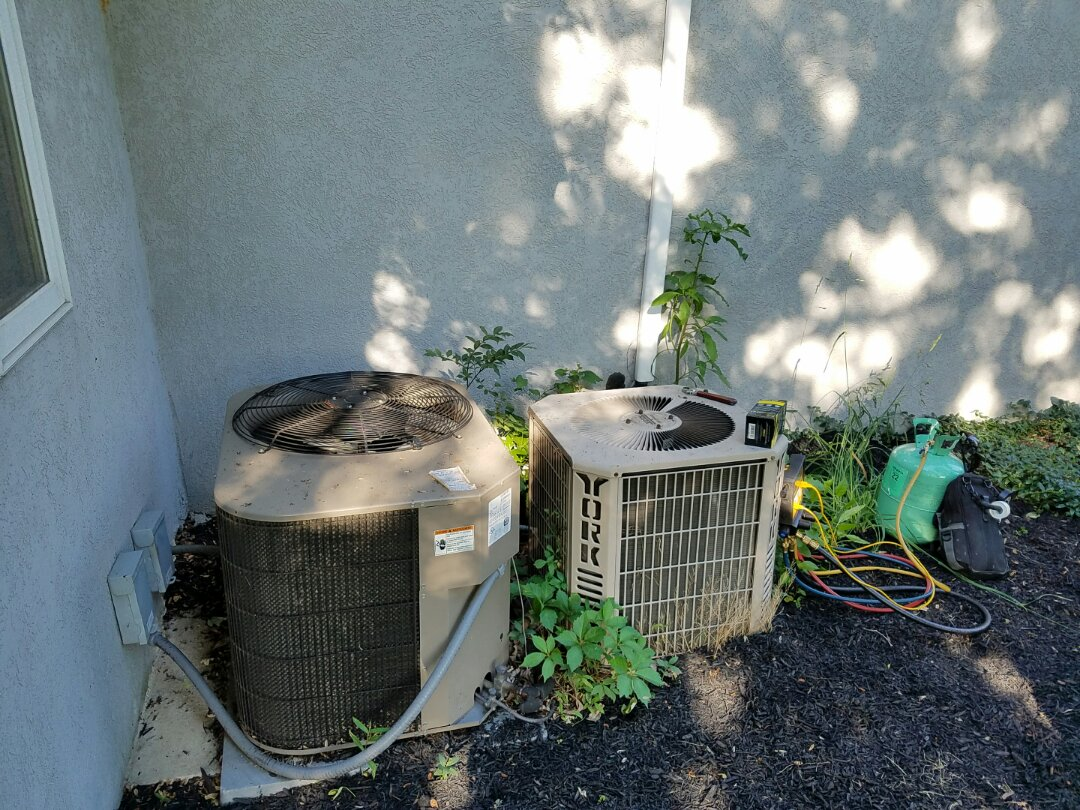 Southampton, PA - Residential Air conditioning service call in Southampton.  York air conditioner blows warm air.  Check freon charge.  ac unit is low on freon.  add freon, add internal leak sealer to prevent freon leakage.  check air conditioner operation and performance.