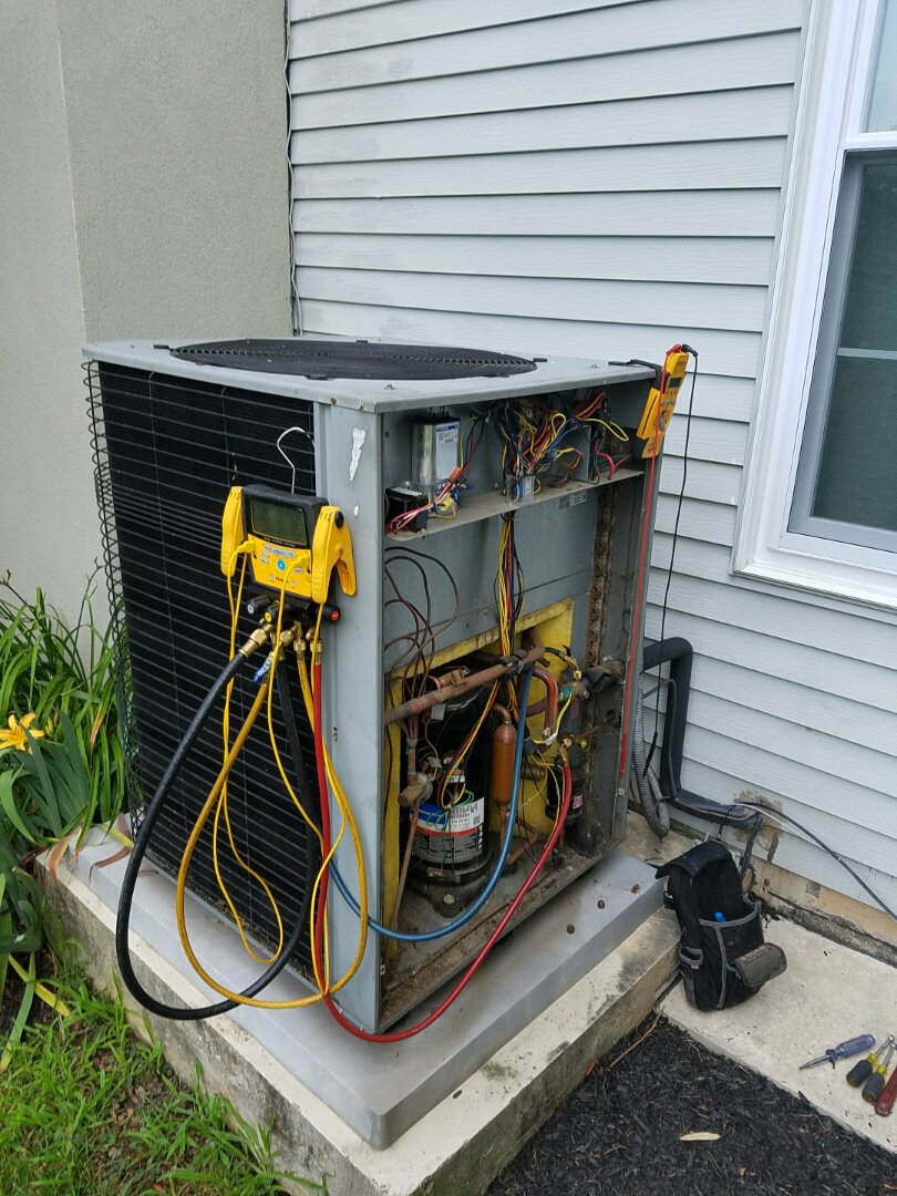 Warminster, PA - Residential Air conditioning service call in Warminster.  repair lennox 16 SEEER heat pump system.  found system with low freon charge.  recharge system with freon.  add internal leak sealer.  check heat pump performance and operation.