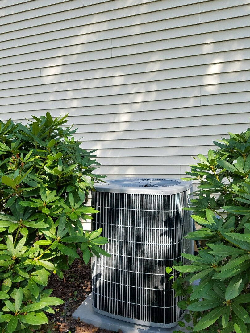 Morrisville, PA - residential Air conditioning service call in Yardley.  annual tune up service.  clean evaporator coil.  clean condenser coil.  flush condensation line.  replace air filter.  fix freon leak at the service valve.  check system performance and operation.