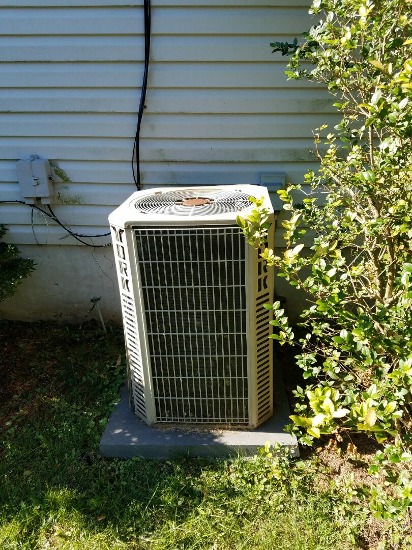 Warminster, PA - residential heating call in Warminster.  Performed annual tune up an maintenance for the York forces air gas furnace and air conditioner.  performed CO test.