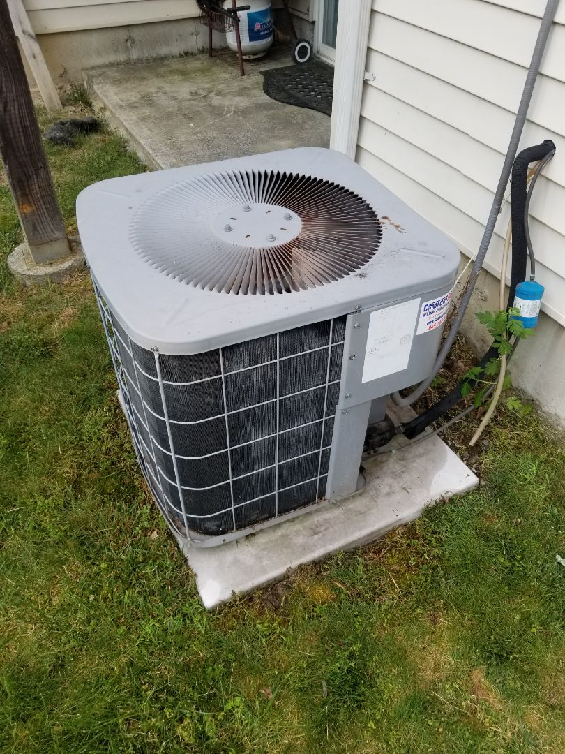 Fishkill, NY - Heil AC not cooling. Fan on top of outdoor unit not spinning. Found and replaced defective dual capacitor. Also performed deep cleaning of outdoor unit with high pressure sprayer and cleaning solution