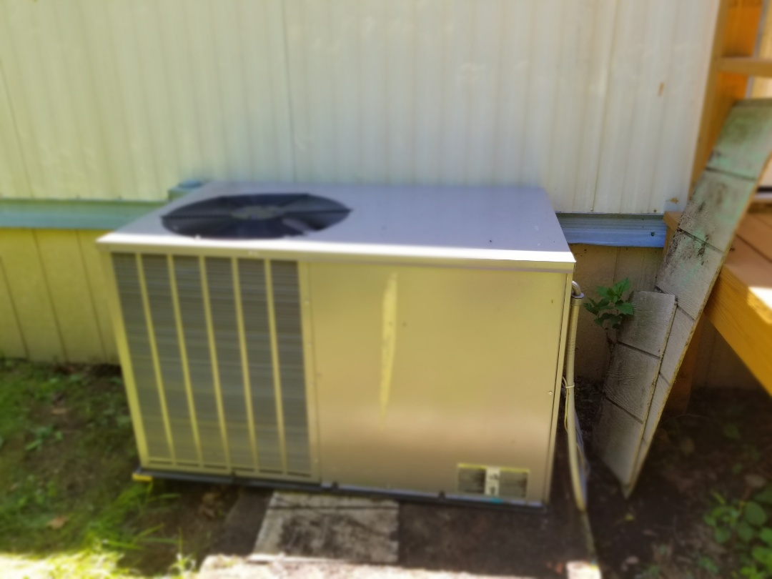 Heil packaged ac unit not cooling house properly. Found Ductwork collapsed below trailer and replaced supply flex from main duct connection, to unit