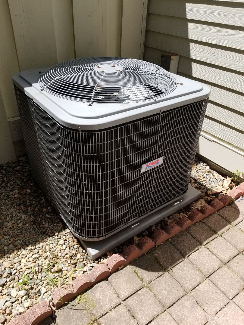 Brewster, NY - Heil Heatpump Air Conditioner not cooling enough. House won't get below 76 degrees. Checked and found low on r22 freon. Added freon and leak detection dye. Also performed tuneup on system.