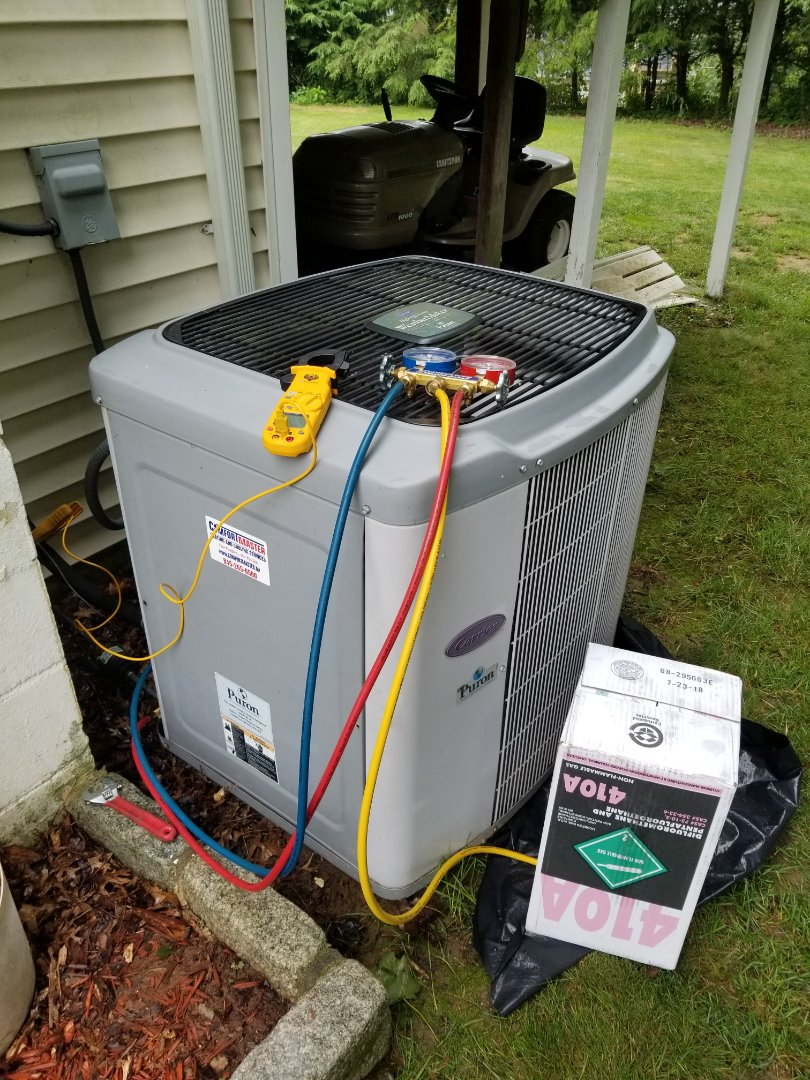 Carmel Hamlet, NY - Carrier unit not cooling house. Found low on freon and added to proper level.