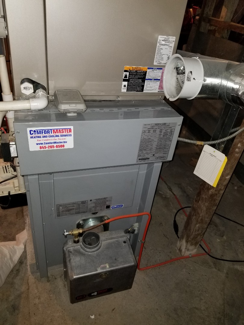 Millbrook, NY - Carrier oil furnace with Heatpump tuneup and checkout.