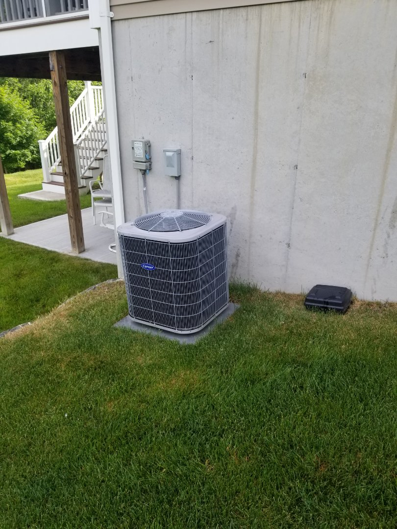 Wappingers Falls, NY - Carrier Furnace and air conditioning system, including honeywell zoning system, annual maintenance and cleaning.