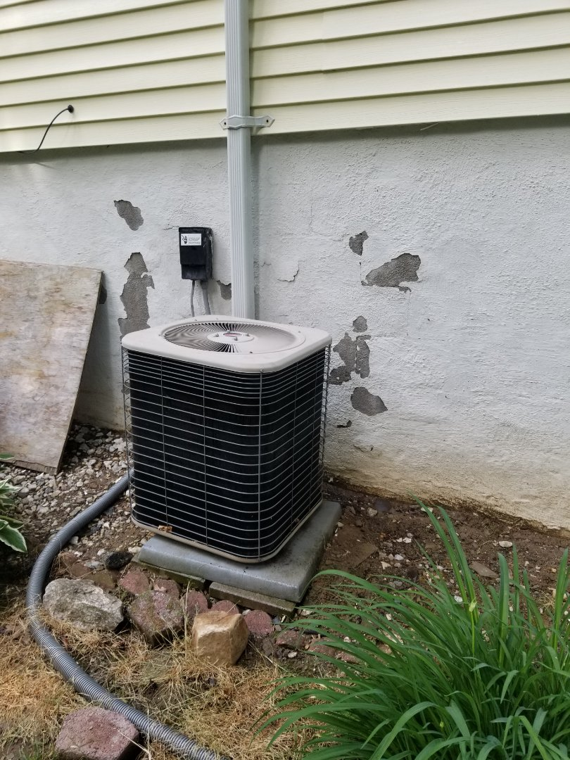 Wappingers Falls, NY - Lennox air conditioning system, annual maintenance check and cleaning. Tested operation and freon. Unit is 21 yrs old and a budget/plan should be considered for replacement