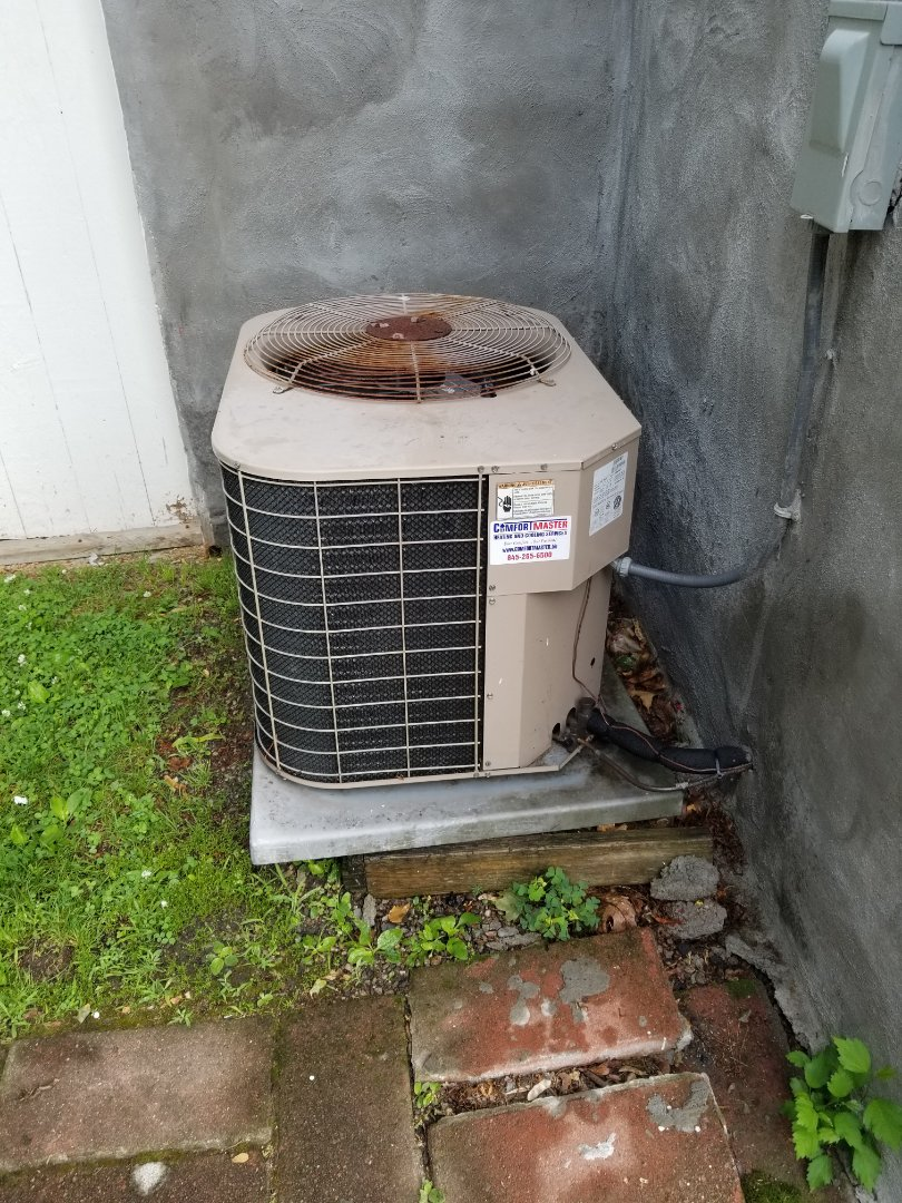 Poughkeepsie, NY - York Luxaire Gas Furnace and Air conditioning system 19 yrs old. Tune up of system, many original parts. Budget for repairs and/or replacement of system.