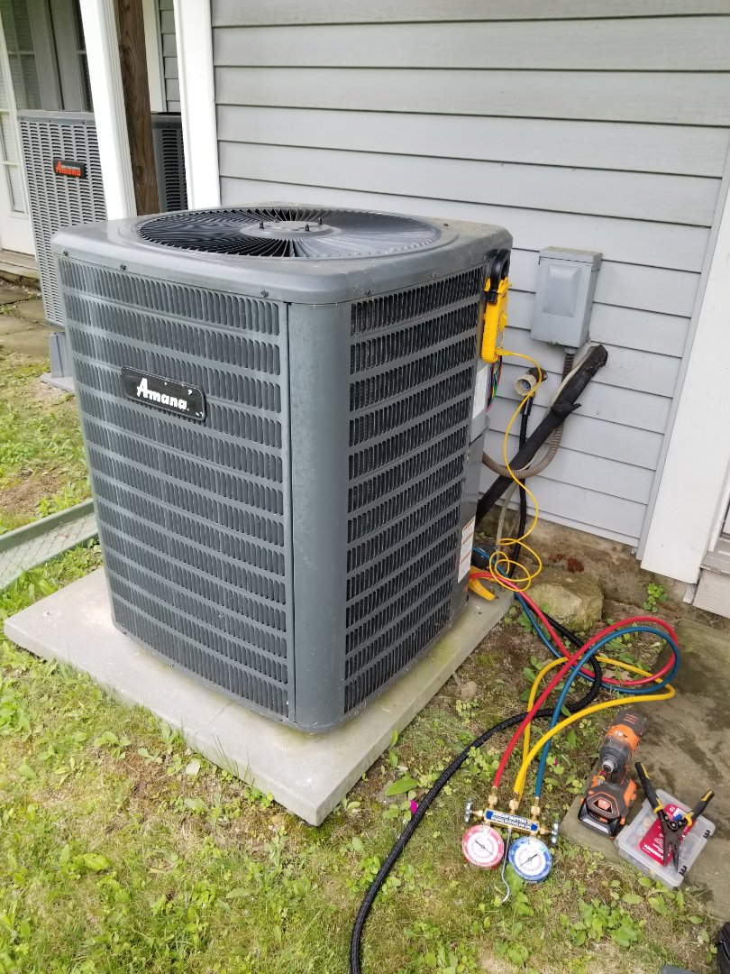 Pawling, NY - Goodman Amana Heatpump tune up. Tested freon level and complete operation.