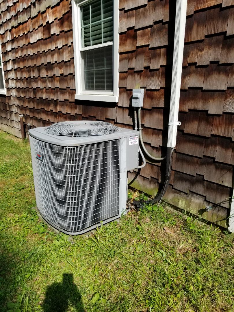 Putnam Valley, NY - Heil Air Conditioning System Tune up. Noticed lights dim when AC turns On. Add Start Assist Kit to reduce or eliminate lights from flickering