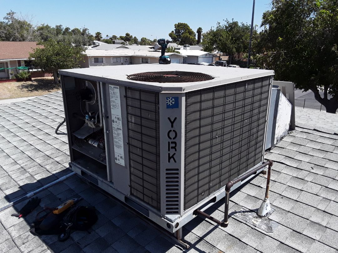 Las Vegas, NV - York gas package system tune up!