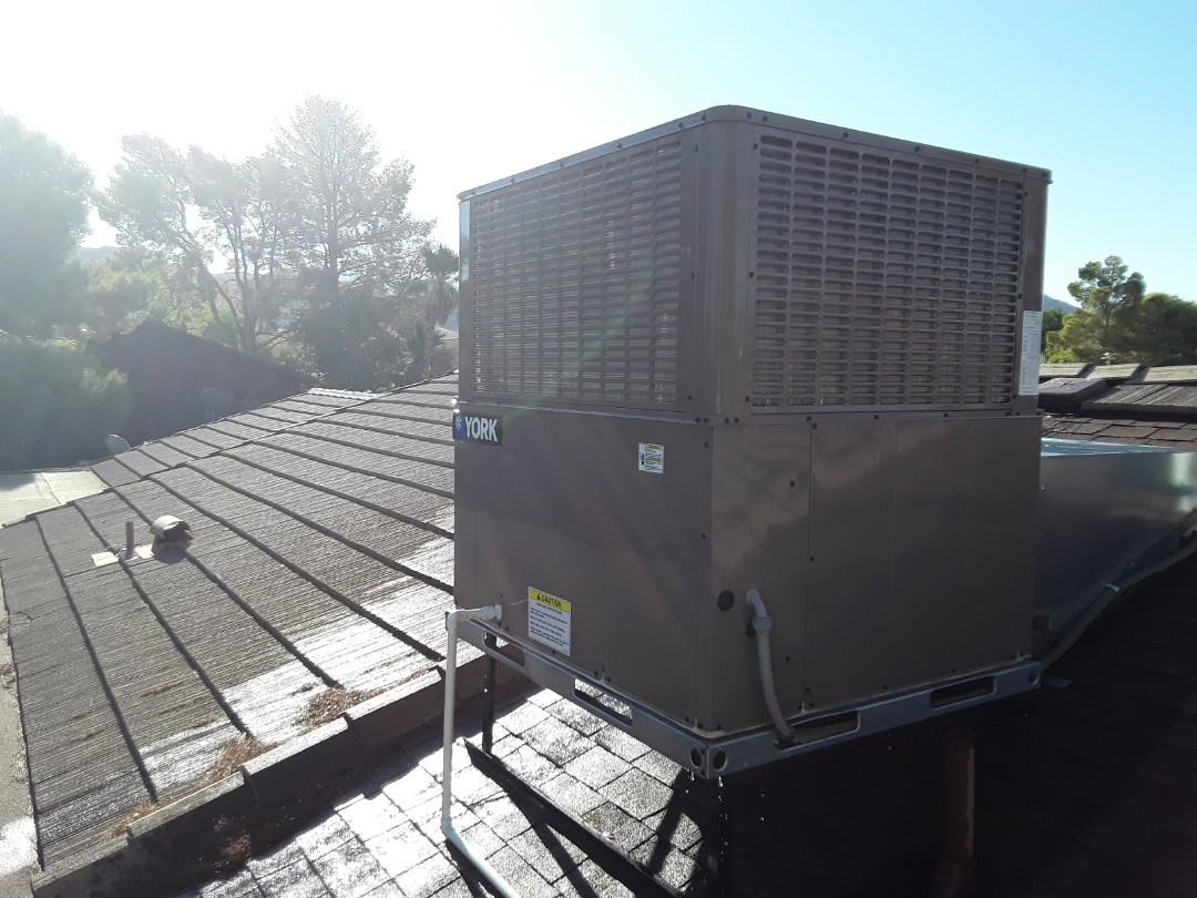 Henderson, NV - Performed cooling and heating tune up on york heat pump package unit in henderson