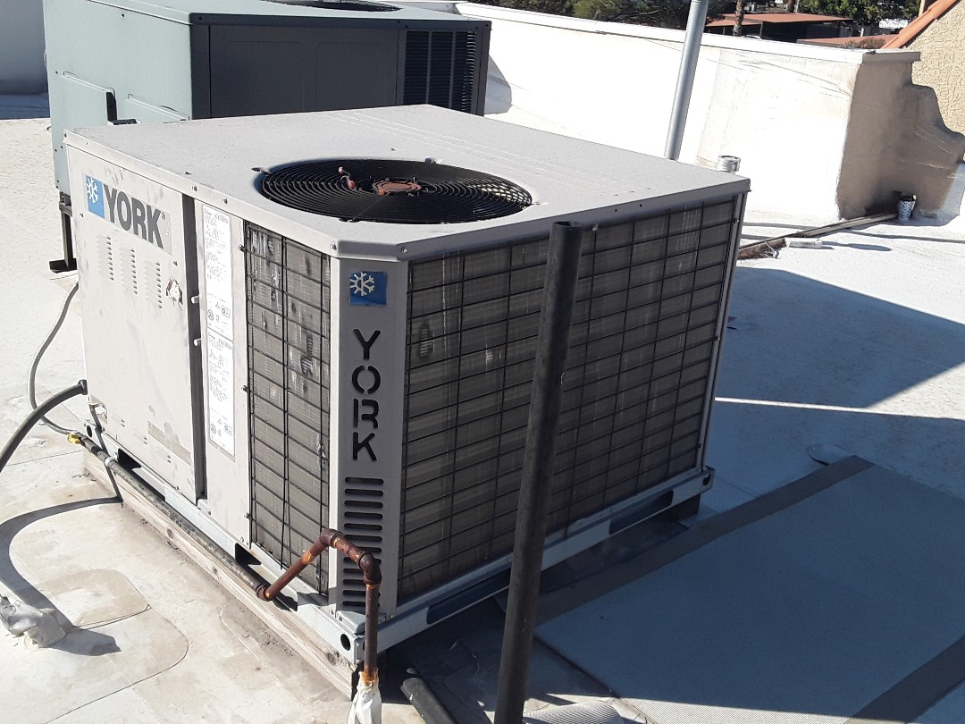Las Vegas, NV - Performed york package unit heating and cooling check up.