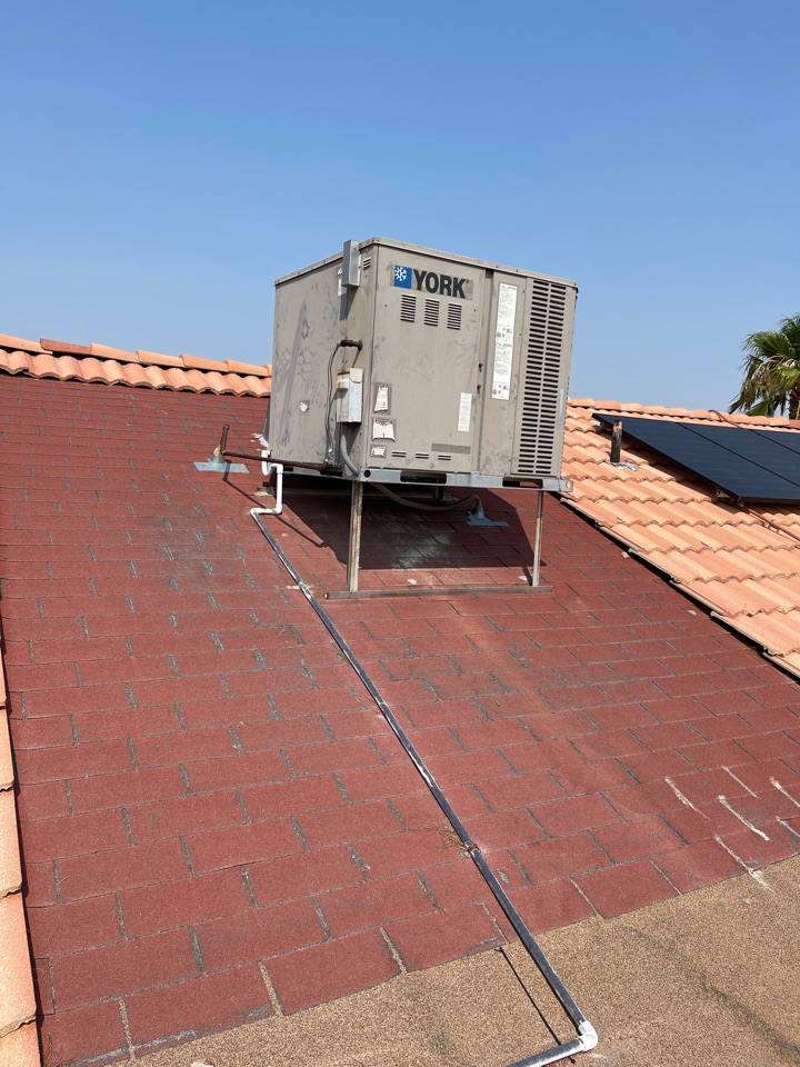 North Las Vegas, NV - Performed cooling ac tune maintenance on York gas package single roof unit.