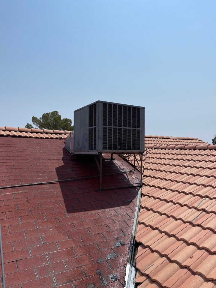 North Las Vegas, NV - Performed a cooling tube up efficiency check on a Goodman package gas single roof unit.