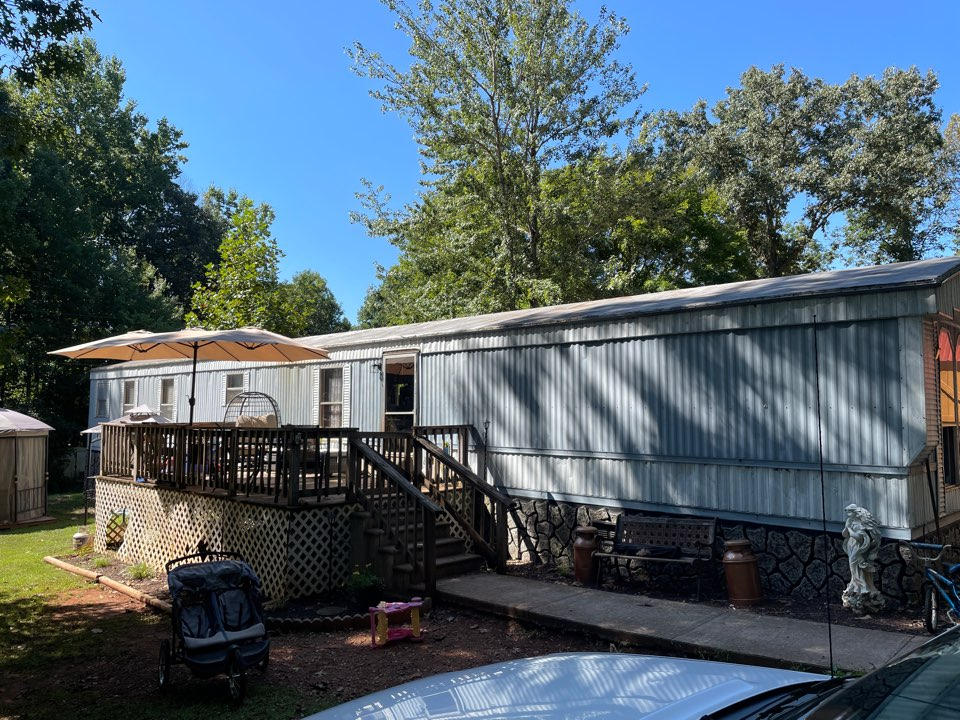 Evington, VA - A free quote for new windows in this manufactured home