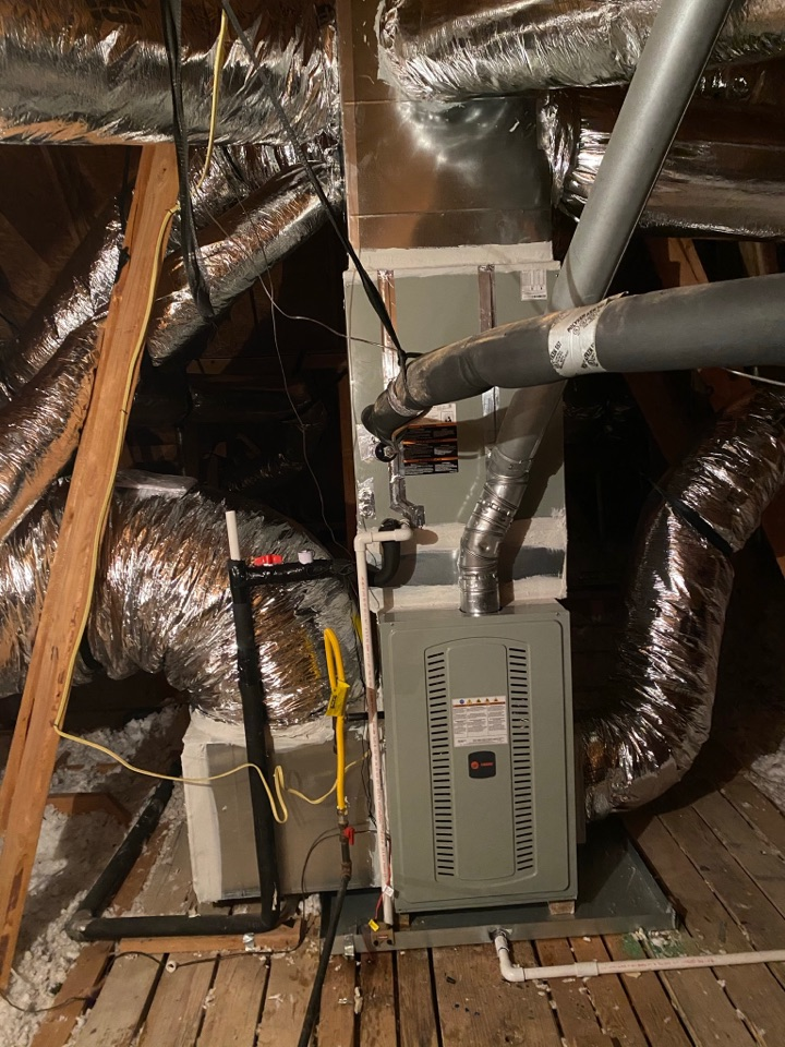 Pearland, TX - We just finished installing a 14 SEER Trane complete HVAC system