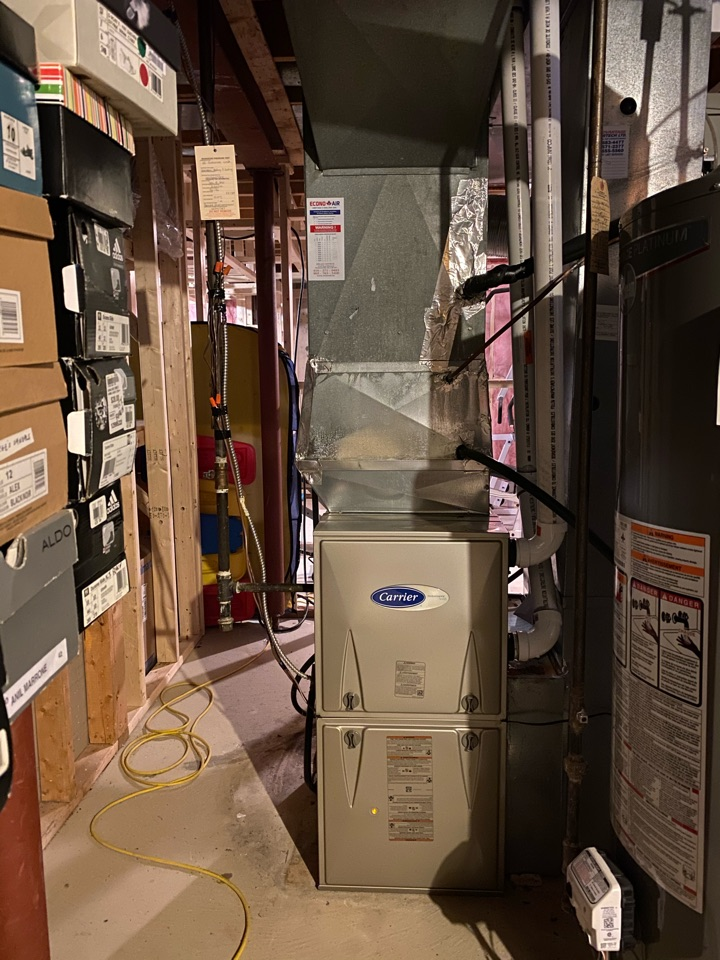 Richmond Hill, ON - Install new Carrier 80,000 btu furnace in Richmond hill.