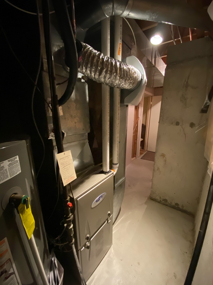 Barrie, ON - Install new carrier 80,000 btu infinity furnace, 2.5 ton air conditioner, Aprilaire 600 humidifier and Ecobee pro thermostat in Barrie.