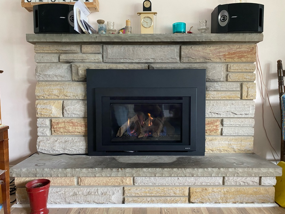 Whitchurch-Stouffville, ON - Install new Majestic 25 inch fireplace insert with 110 foot gas in Stouville.