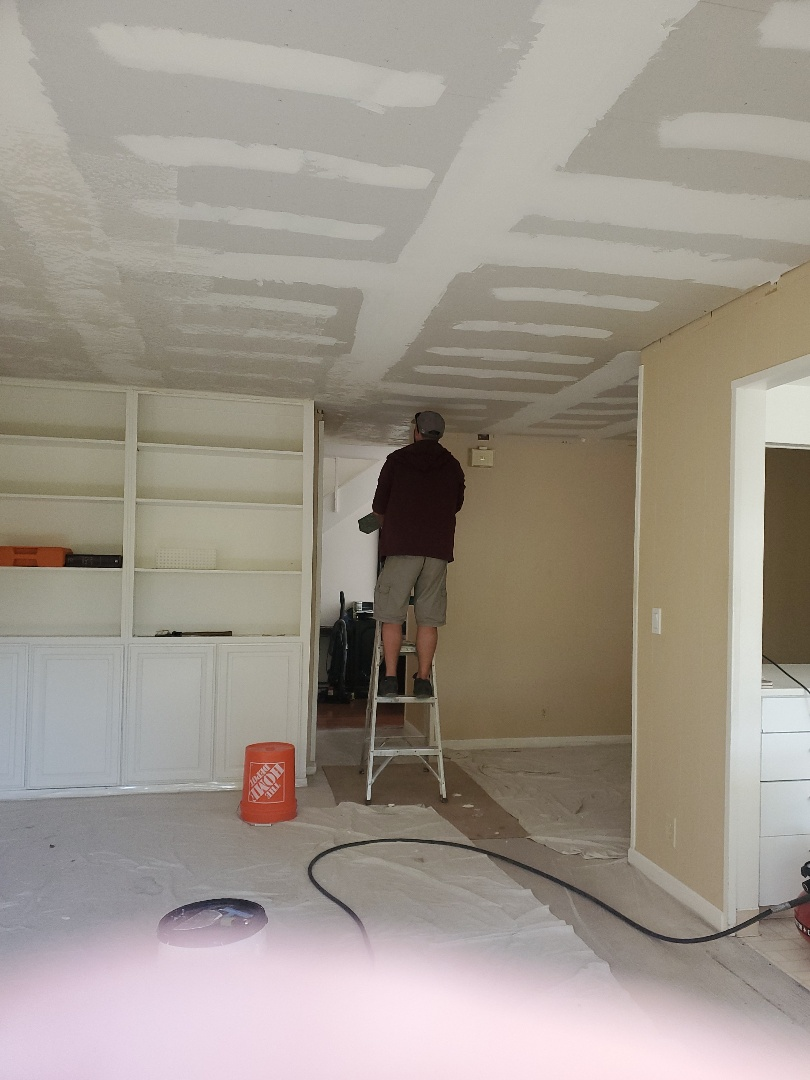 Martinez, CA - This repeat customer had a problem with an upstairs league at the toilet she contacted us to repair the ceiling to repa Where in the process of skip trailing tomorrowir the ceiling