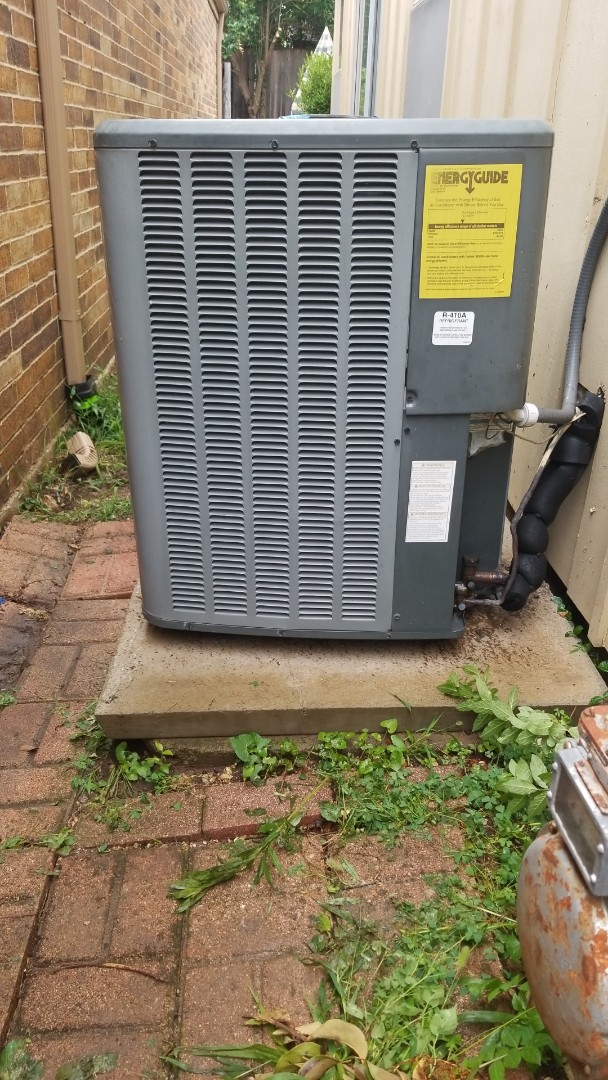 Dallas, TX - Air conditioner not blowing cold air