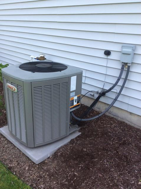 Mishawaka, IN - Tune up and clean on air conditioner