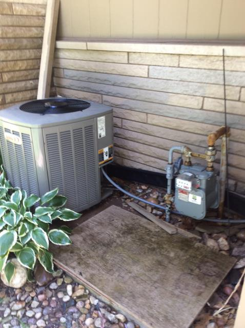 Elkhart, IN - REPLACED PARTS ON AIR CONDITIONER