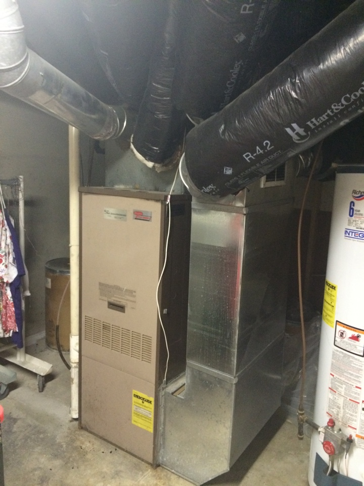 South Bend, IN - How do you like this furnace install. Glad we don't do things like this.