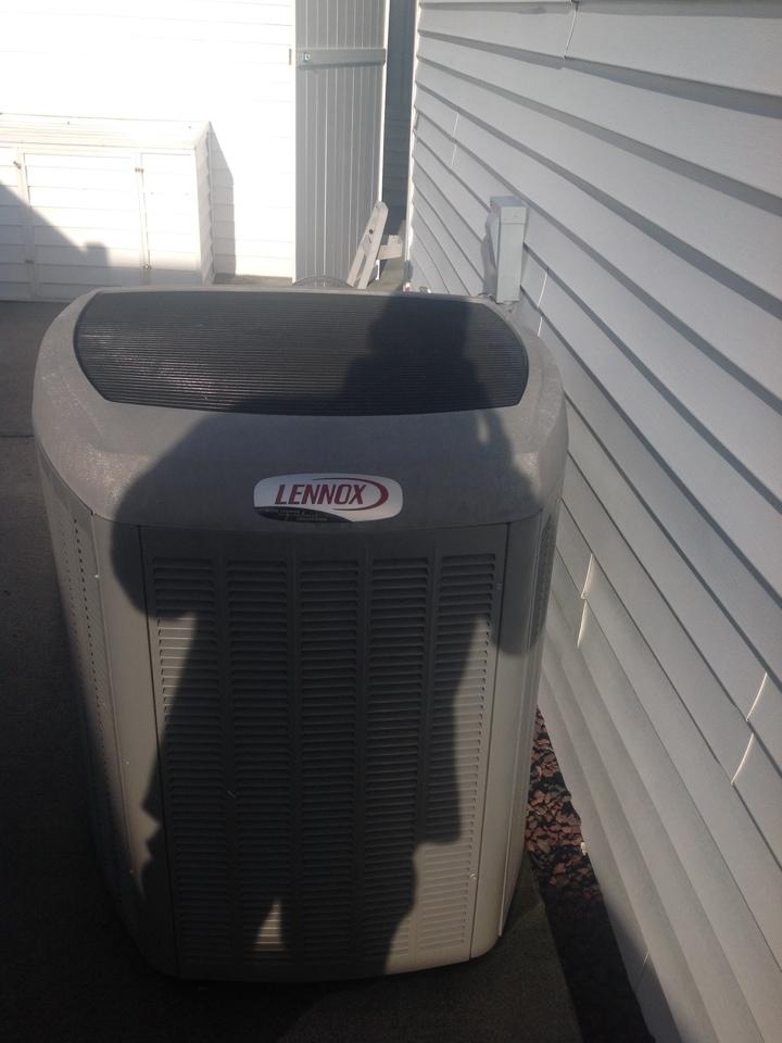 Monroe, WA - Maintenance on a Lennox heat pump system in Monroe .