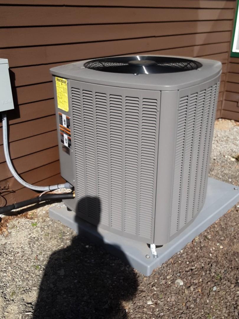 Monroe, WA - Maintenance on a Lennox heat pump in Monroe