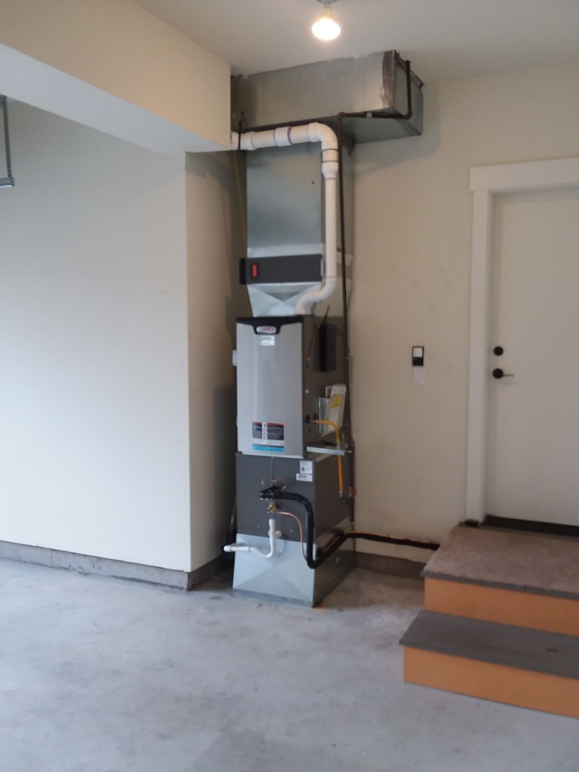 Seattle, WA - Just finished installation of a Lennox three-and-a-half ton air conditioning unit and 96% efficient gas furnace