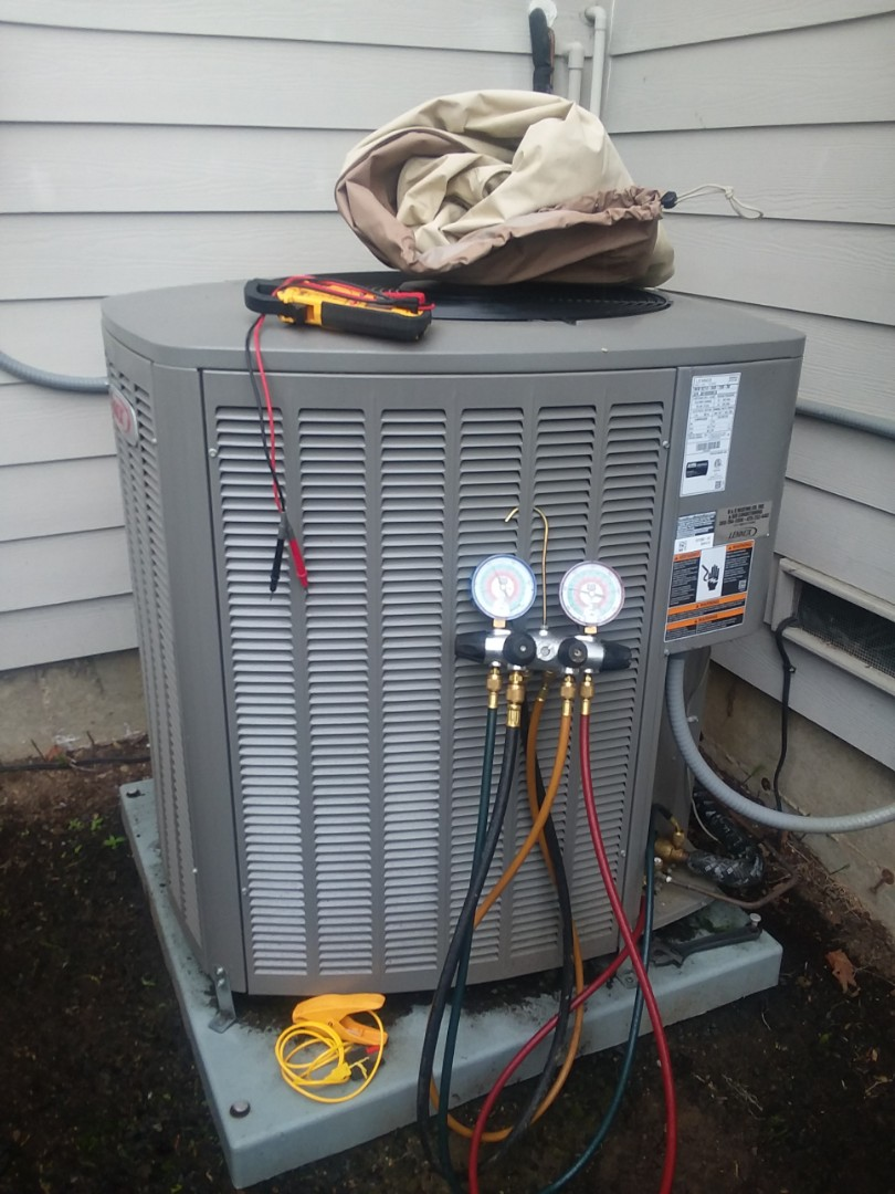 Snohomish, WA - Completed planned maintenance on a Lennox air conditioner in  Snohomish.