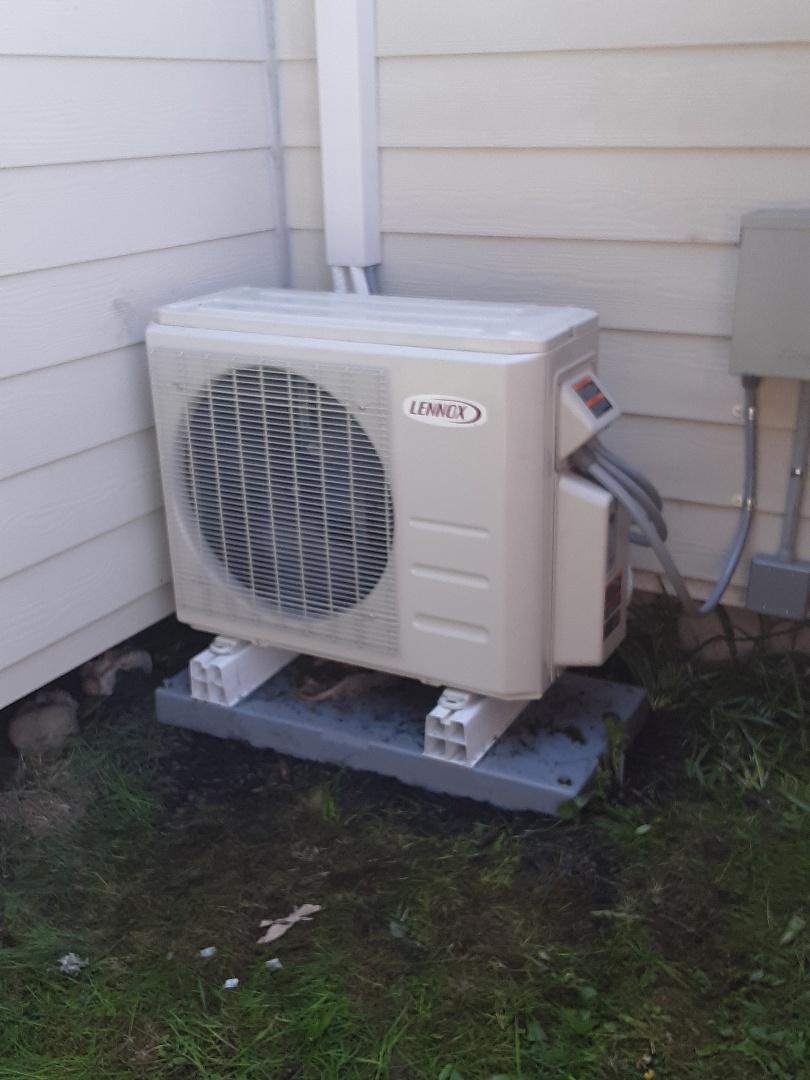 Mountlake Terrace, WA - Replaced compressor on a Lennox ductless mini split heat pump in Lynnwood ??