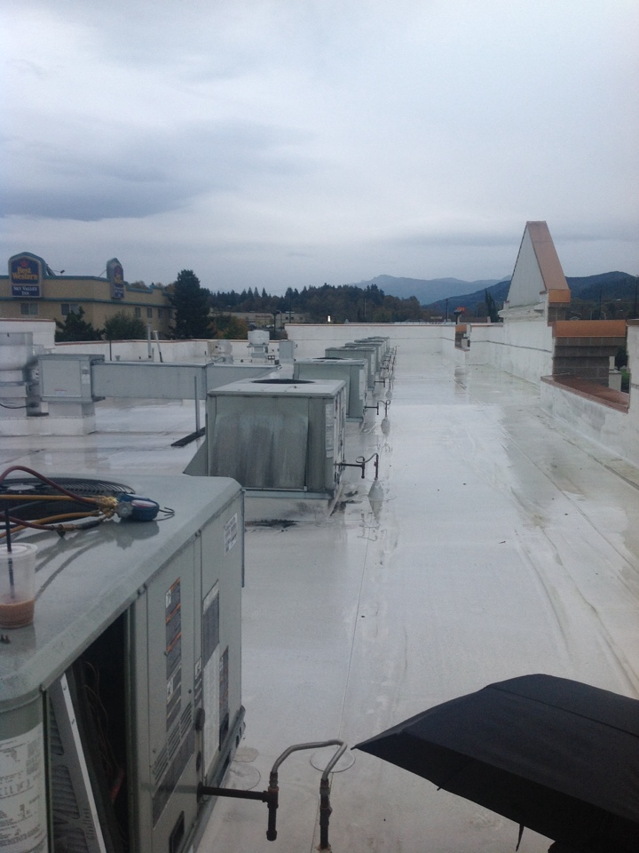 Monroe, WA - Maintenance of 12 roof top units in Monroe