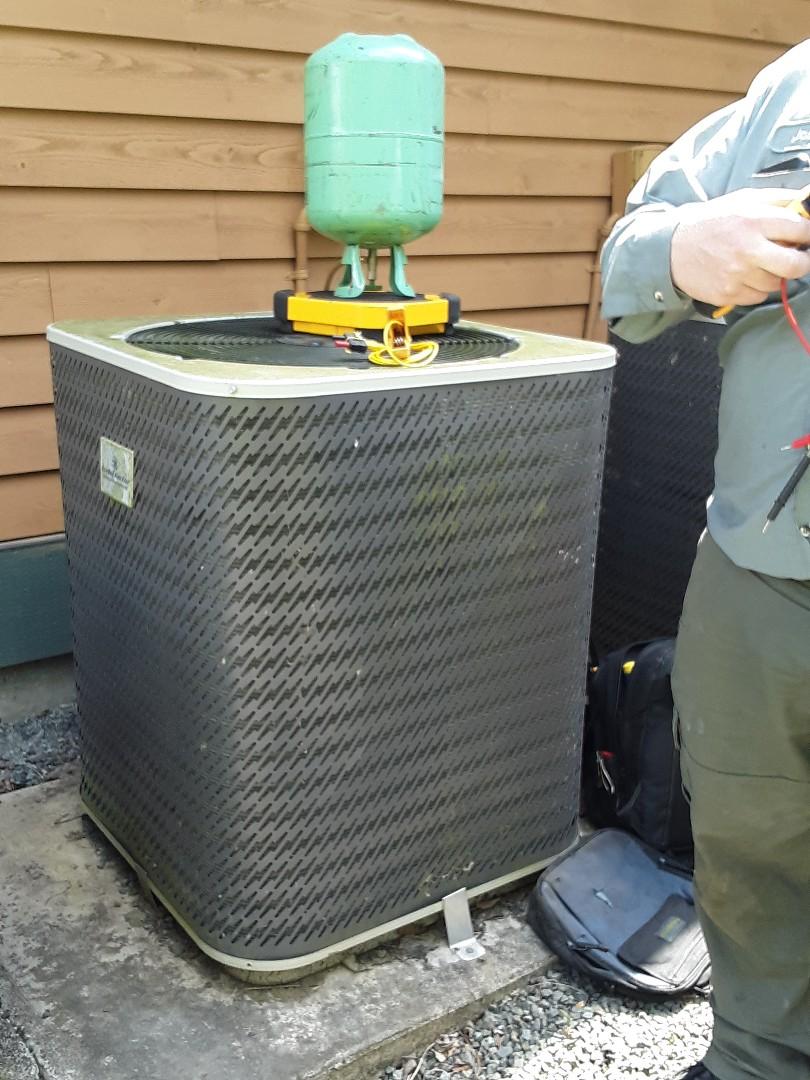 Sultan, WA - Planned maintenance on a kelvinator r22 heat pump in sultan