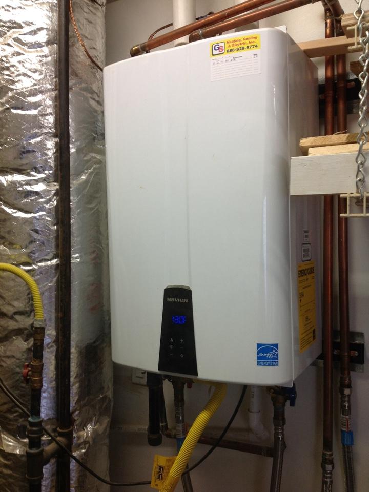 Monroe, WA - Planned maintenance on a Navien tankless water heater in Monroe.