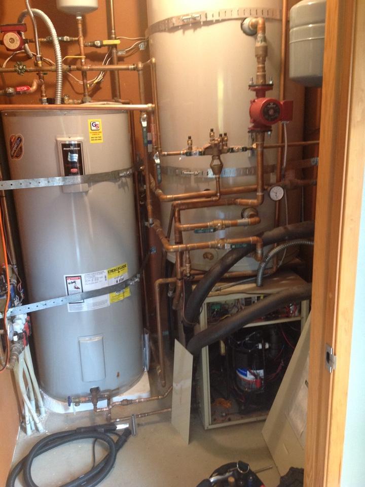Monroe, WA - Planned maintenance on Econar geothermal heat pump in Monroe.
