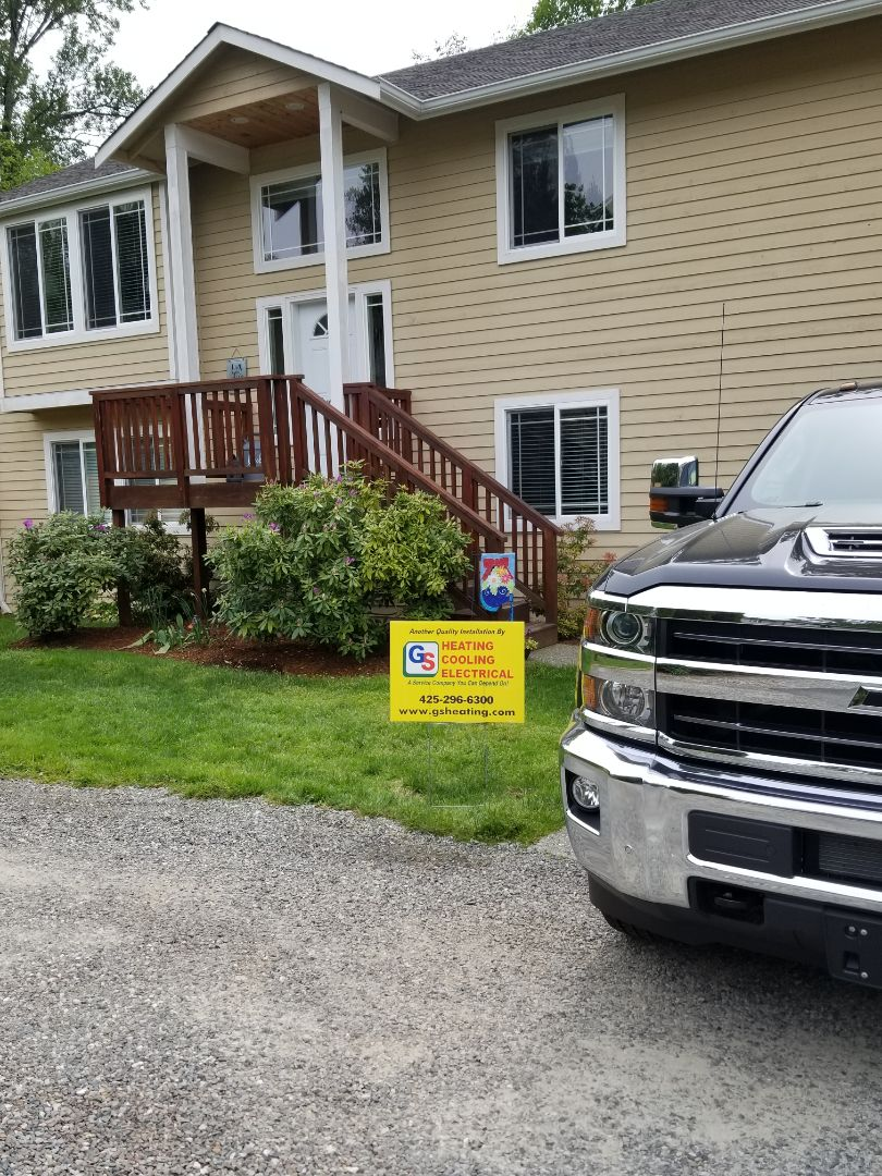 Lynnwood, WA - Providing an estimate to install a Lennox Elite Series EL16 air conditioner in Bothell.