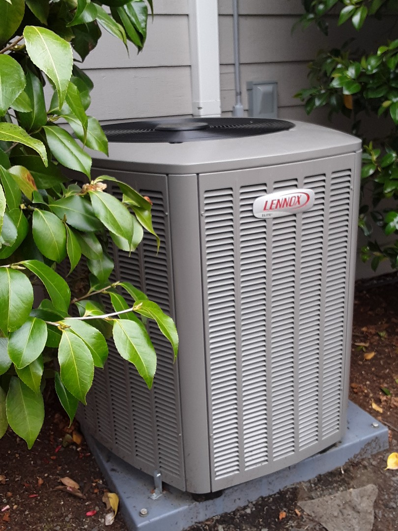 Monroe, WA - Planned maintenance on a Lennox heat pump in Snohomish