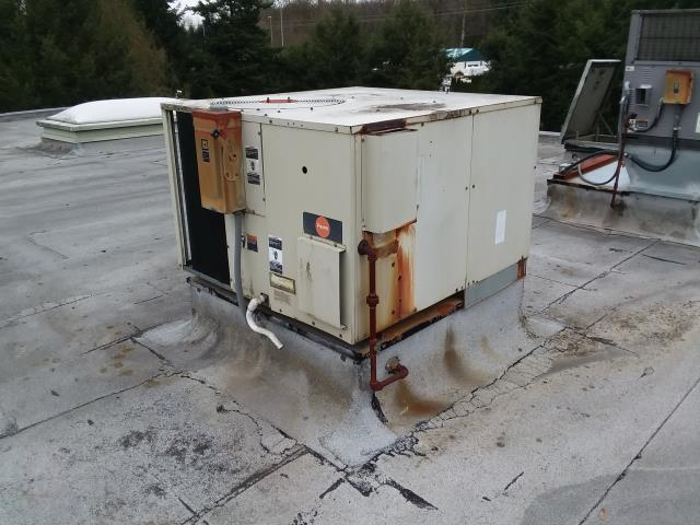 Monroe, WA - Replacing old gas pack roof top unit with new Trane gas pack in Monroe Washington