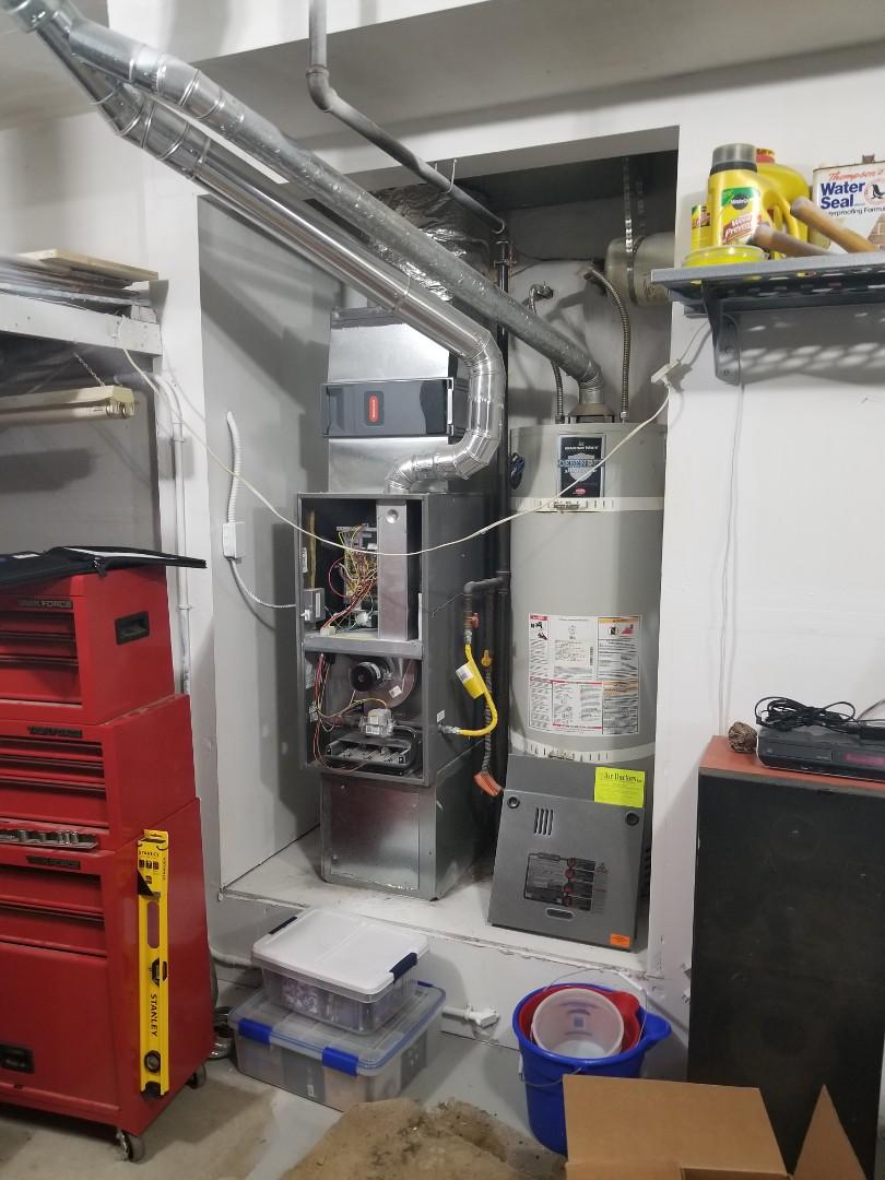 Edmonds, WA - Providing an estimate to install a Carrier heat pump in Arlington.