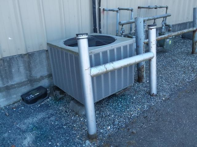 Everett, WA - Replacing outdoor unit with new Carrier AC unit in Everett Washington