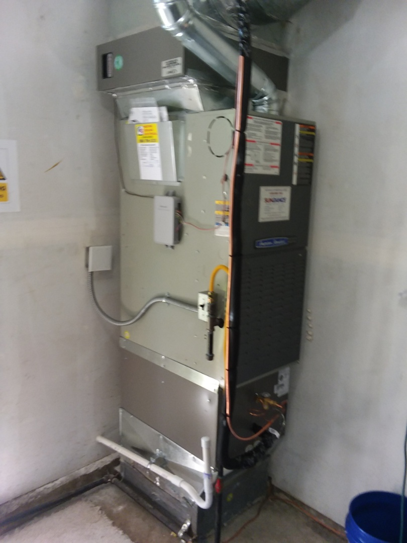 Lynnwood, WA - Just finished installation I have a Lennox 2 and 1/2 ton AC unit two customers existing heating system in Bothell using Lennox equipment