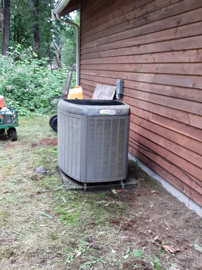 Snohomish, WA - Planned maintenance on a Lennox heat pump in Snohomish