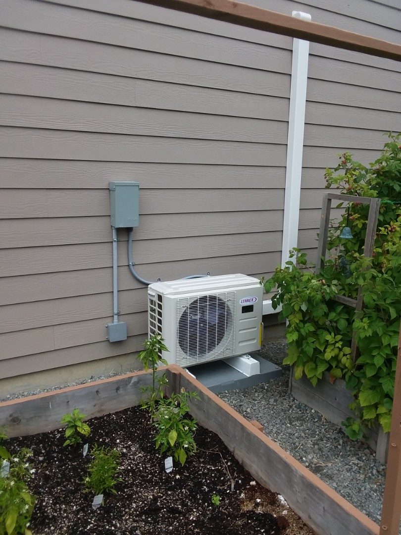 Sultan, WA - Just finished installing a Lennox 1 ton ductless heat pump in Sultan